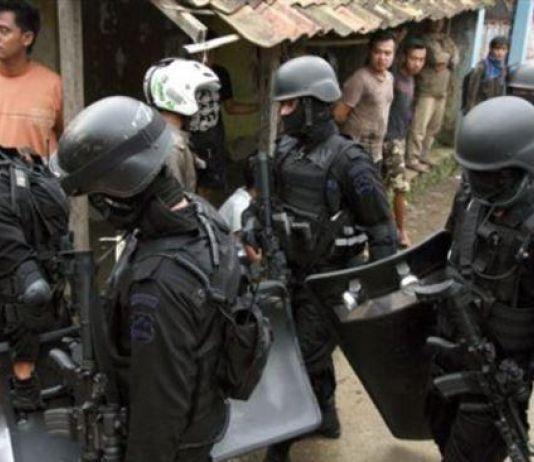 Densus 88 Geledah Tempat Tinggal Terduga Teroris di Bandung