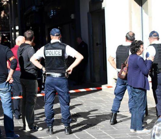 Lima Orang Ditangkap Terkait Penusukan Tiga Polisi di Paris