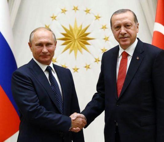 Melalui Perbincangan di Telepon, Putin Undang Presiden Turki ke Rusia