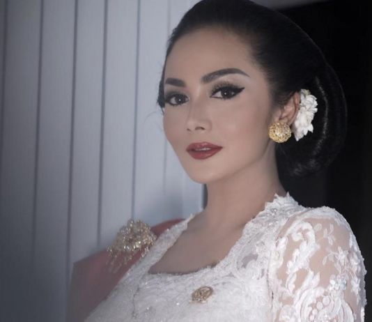 Usai Hadiri Pelantikan Jokowi-Amin, Krsidayanti Bilang Begini