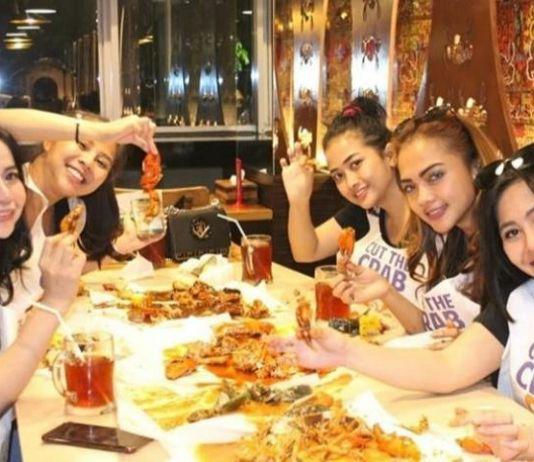 Cut The Crab Angkat Kebudayaan Nasional dengan Cara Menyantap <i>Seafood</i>