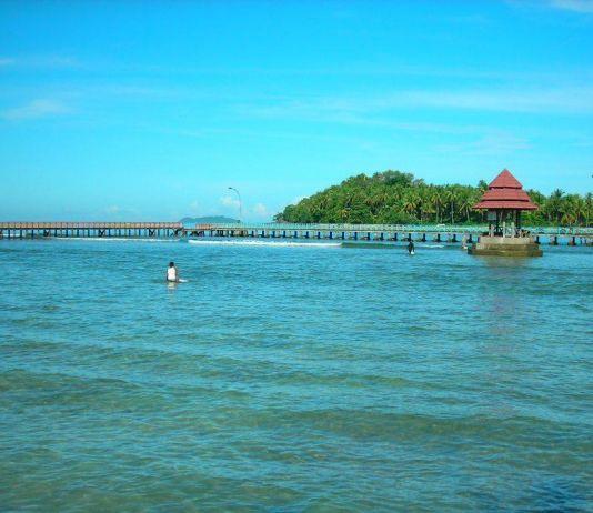 Pesisir Selatan Akan Bangun Sentra Kuliner di Pantai Carocok