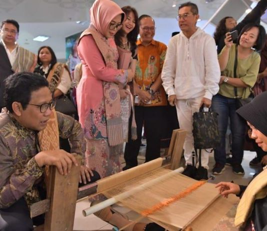 Kemendes PDTT Gelar Eco Fashion Week Indonesia 2019