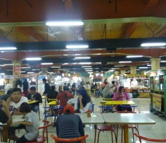 Asyiknya Kulineran di Halte Transjakarta Blok M