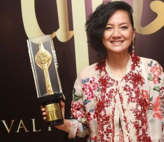 Cut Mini Raih Piala Citra Pemeran Pendukung Terbaik
