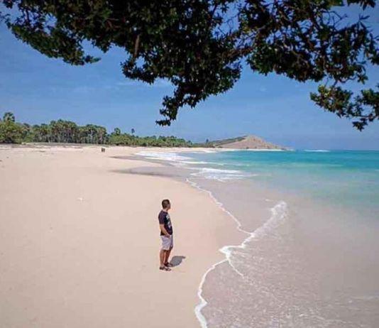 Eksotik dan Mempesonanya Pantai Liman dengan Ombak yang Membahana