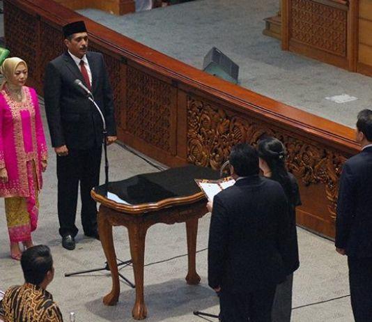 DPR Lantik Dua Anggota PAW Ganti Menteri Kelautan dan Menpora