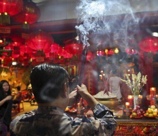 Suami Pemabuk, Gemar Melacur, lalu Bunuh Diri, Justru Dirayakan Orang Tionghoa?
