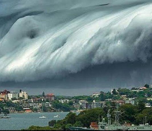 Perempuan Umbar Aurat Mengundang Gempa Megathrust dan Tsunami?