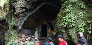 Mengintip Goa Panji Landung yang Terkenal Sakral dan Angker