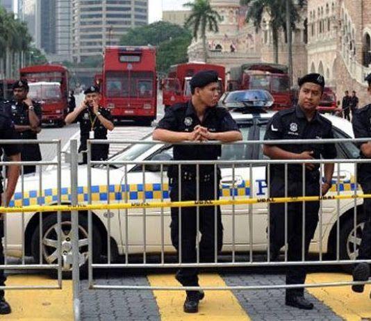 Tegas, Polisi Malaysia Tahan 4.189 Orang Selama Masa Isolasi Wilayah