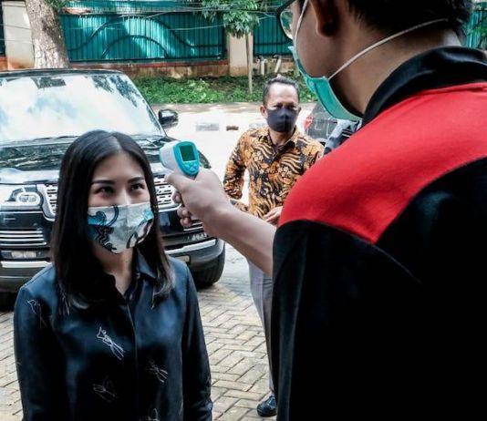 Masyarakat Antusias Ikuti Gerakan Masker Kain
