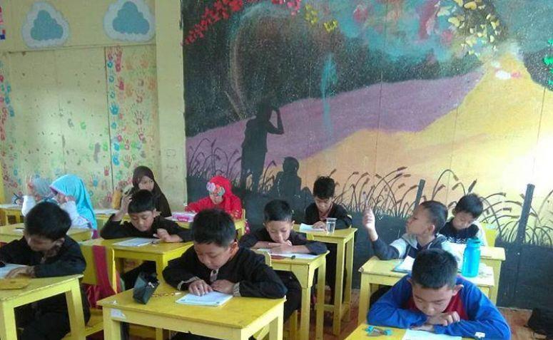 Sekolah Dibuka Saat Pandemi? F-PKS: Jangan Jadikan Anak-anak Kelinci Percobaan