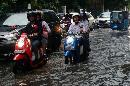Hujan Deras Membuat Kawasan Cikini Tergenang