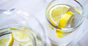 Penting! Ini 11 Manfaat Luar Biasa dari Air Lemon