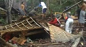 Pascaputing Beliung, Warga Pemaron Butuh Bantuan