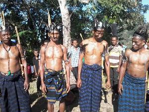 Tarian Cakalele Masyarakat  Wolonwalu, Bola Memperingati Detik-detik Proklamasi