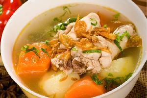 Nikmatnya Sop Ayam saat Cuaca Dingin