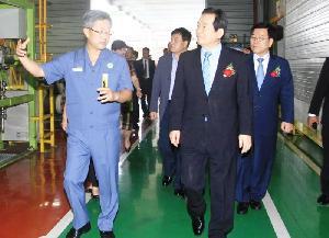 Ketua Parlemen Korea Selatan Kunjungi Pabrik Hankook Tire Indonesia
