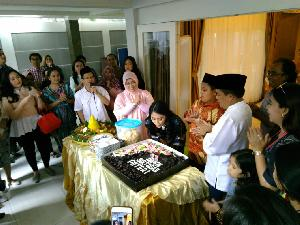 Sulung Ketua DPR Puteri Komarudin Rayakan Ulang Tahun